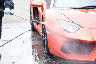 00-car-detailing-wheel-rinse.jpg